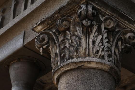 円柱の装飾
