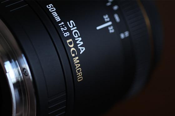 SIGMA MACRO 50mm F2.8 EX DG外装