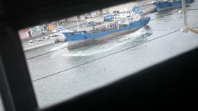 高松港を往来する船舶いろいろ